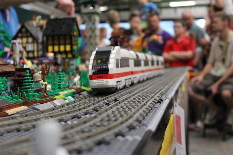 Lego Fan Expo BrisBricks train